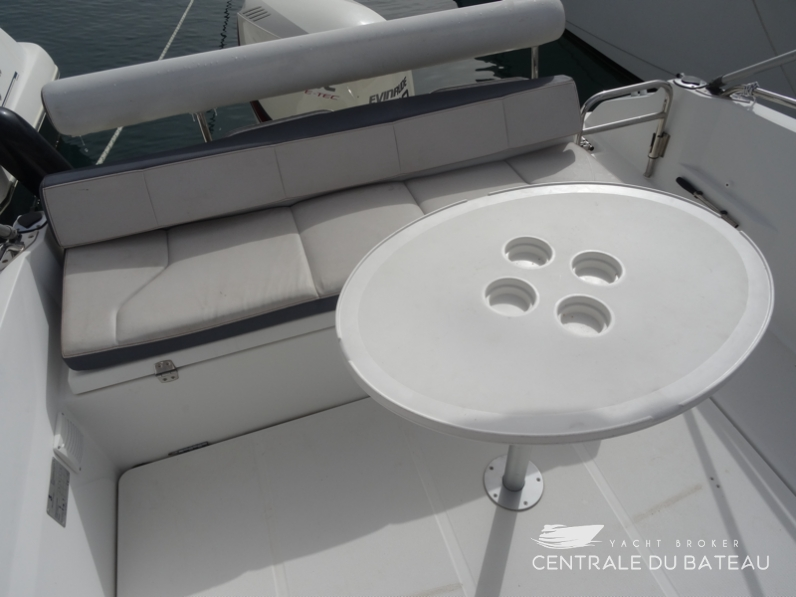 BENETEAU FLYER 6 SPACEDECK. 17.png