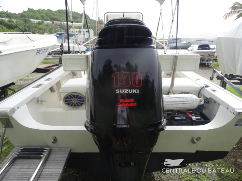 BOSTON WHALER 19 OUTRAGE. 20.png