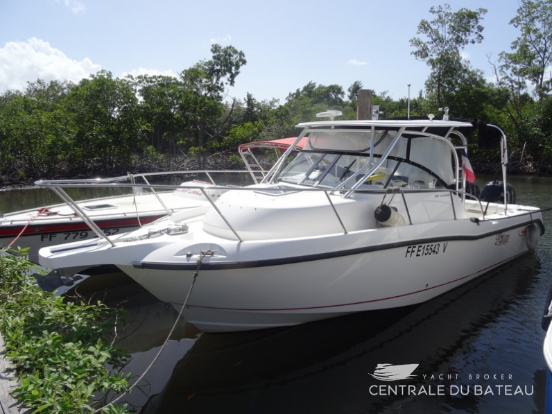 BOSTON WHALER 285 CONQUEST (1).png