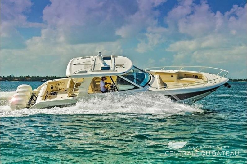BOSTON WHALER 380 OUTRAGE. 5.jpg