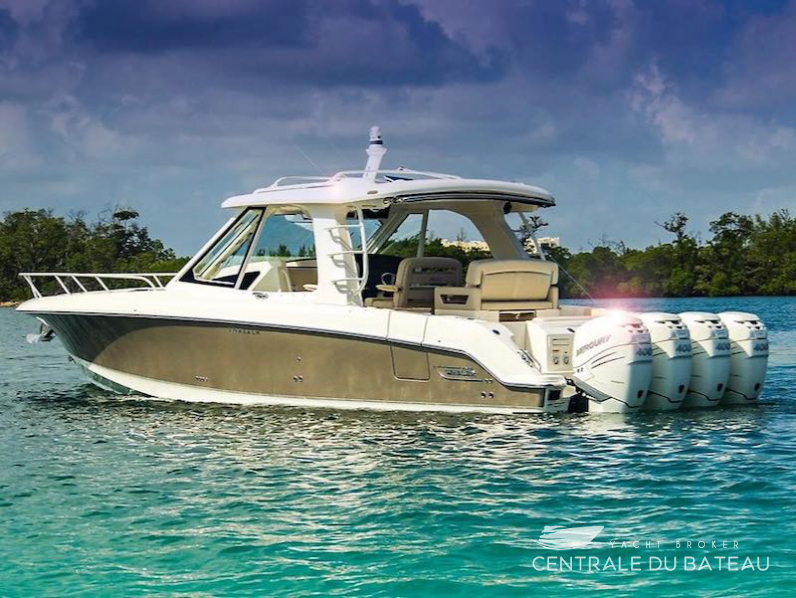BOSTON WHALER 380 OUTRAGE.png