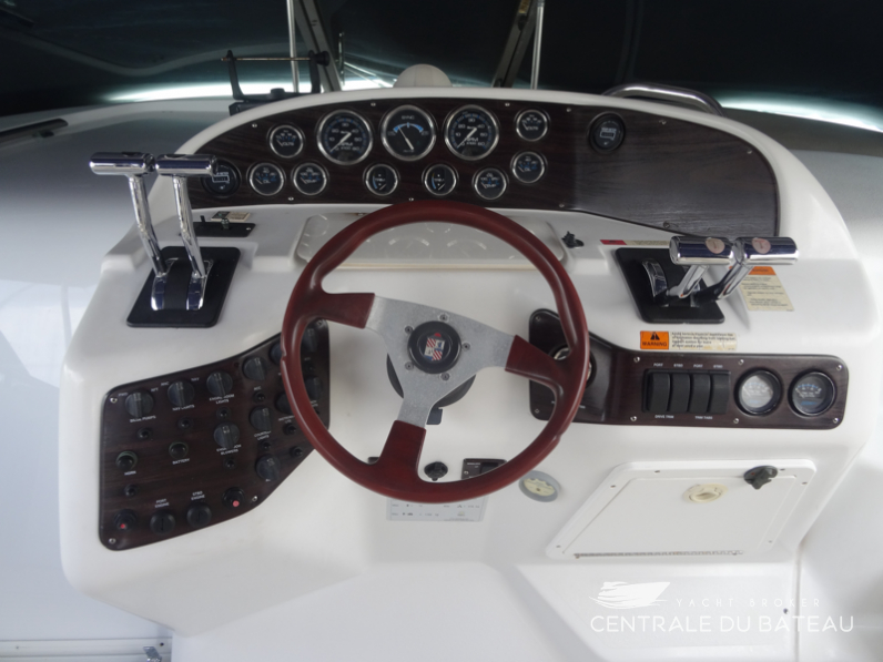 CHRIS CRAFT 328 EXPRESS  10.png