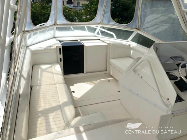 CONTENDER 35 SIDE CONSOLE. 5.jpg